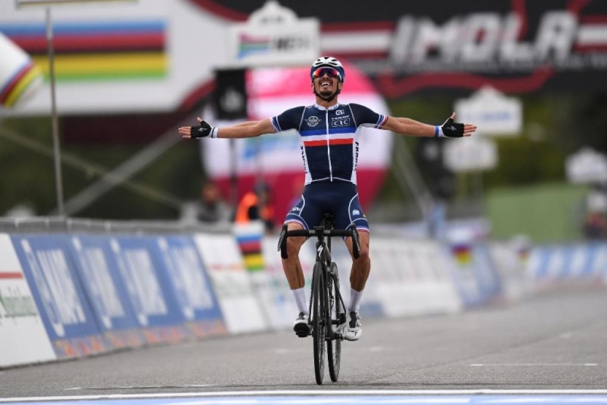 Жулиан Алафилипп – чемпион мира по велоспорту-2020 в групповой гонке