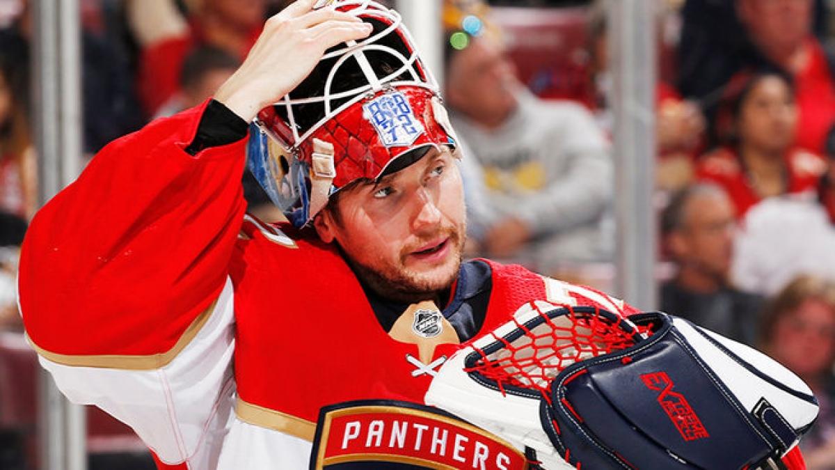 Сергей Бобровский признан первой звездой дня в НХЛ