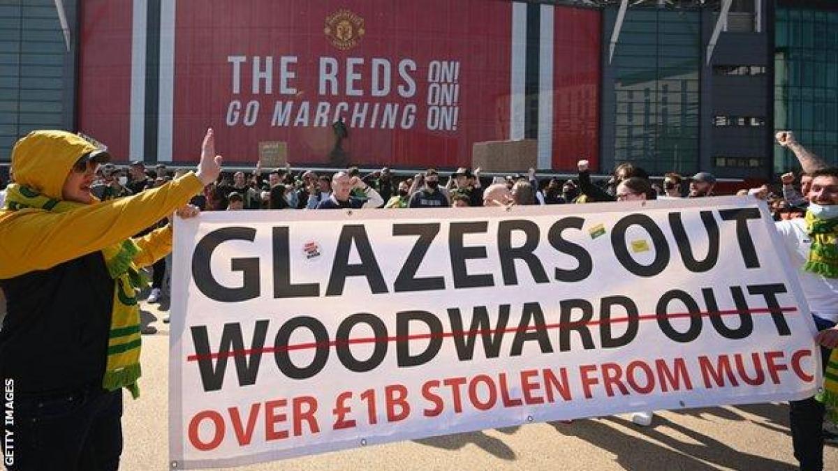 «Манчестер Юнайтед» может лишиться очков из-за инцидента с болельщиками