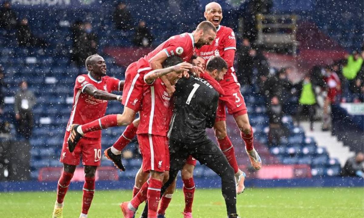 Алиссон принес победу «Ливерпулю». Голкипер забил на последних секундах матча