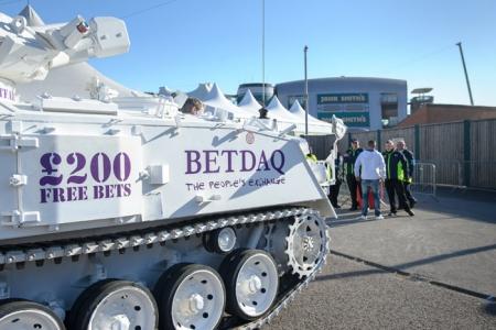 Биржа ставок Betdaq в след за Ladbrokes покинула Россию